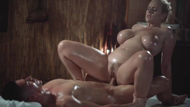 Massage rooms hot milf with giant natural mounds gives oily titwank