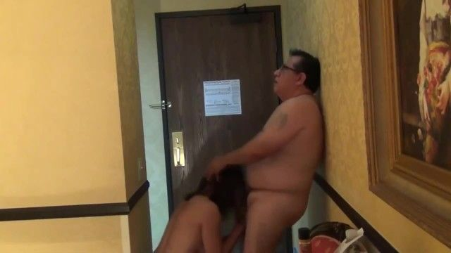 Sexy milf deepthroat oral-sex in hotel room