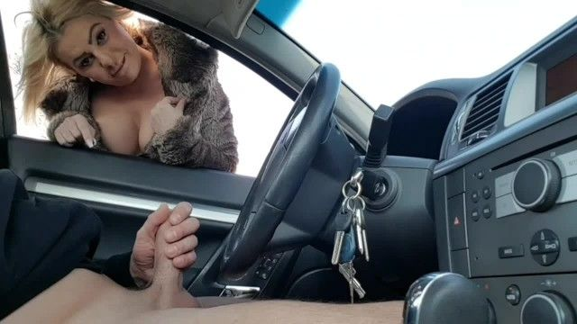 Public handjob-stranger fingering my wang in the car in public parking